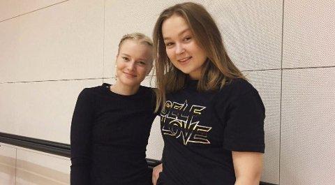 Danseliv: Lotta Asmyhr og Nora Bjørvik Jensen fra Thor Heyerdahl videregående har danset seg gjennom sommerferien i et spennende utviklingsprosjekt.