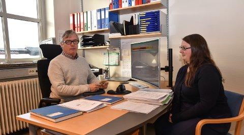 IGJEN ALENE: Svein Kåre Hovde utgjør for tiden hele staben på Elverum kommunes eiendomsskattekontor, etter at Marthe Westrum har sluttet.