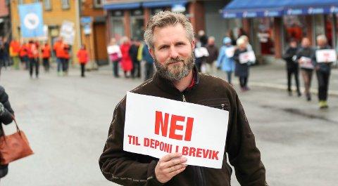 NÆR MÅLSTREKEN: Kamfjord sa opp som utviklingssjef i fylket som følge av deponisaken. Han forstår at Venstre reagerer på grov behandling, og sier partiet har fått unødvendig mye kritikk.