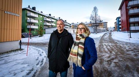 Eiendomsmeglerne Tina Jakobsen og Finn Hugo Amundsen er optimister. De tror en batterifabrikk er det som kommer til å slå best ut for boligmarkedet i Rana.