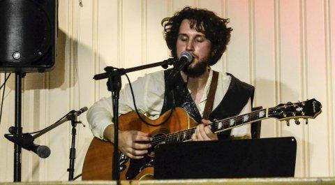 Levde seg inn: Anders Dahlberg hadde flere favoritter blant Bob Dylans låter, og imponerte publikum som hadde vokst opp med Dylans musikk.