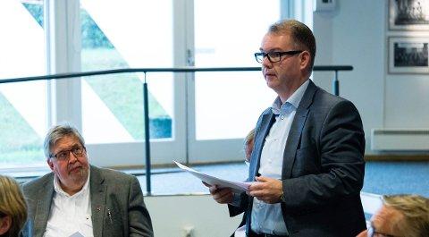 OVERRASKET: I SNRs årsmøte tirsdag ba Kjartan Berland (H) i Skedsmo, Nittedal om å føye seg etter de andre kommunene når det gjelder ny organsiering av rådet. Nå ber han sin egen ordfører om å orientere for situasjonen i SNR. Foto: Geir Egil Skog