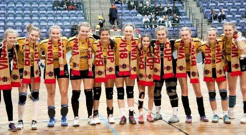 GLAD GJENG: For tredje gang på rad gikk HK Eidsberg jenter 14 år til topps i Baldus Cup i håndball. Det skjedde i helgen på Lillehammer.