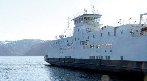 Samferdselsutvalet i fylkeskommunen har behandla spørsmålet om framtidig ferjedrift på Høgsfjorden. (Arkivfoto)