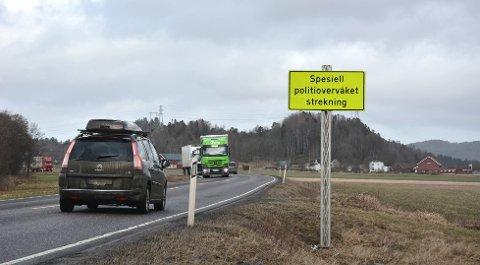 Utrykningspolitiet følger ekstra nøye med på trafikken på enkelte omkjøringsveier om dagen.