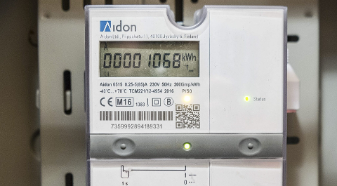 Denne lille strømmåleren, som skal innstalleres i 190.000 hjem i løpet av året, skaper stor debatt.