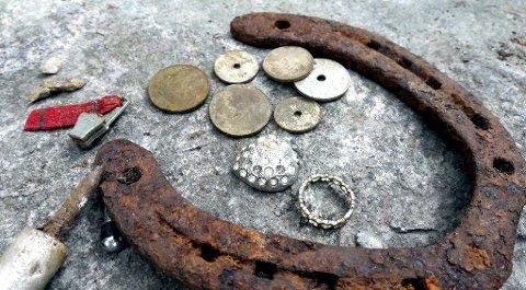Lov: Det er lov å gå med metalldetektor i verneområdet, men man risikerer å bryte kulturminneloven.