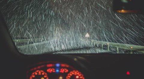 Se opp: Vær våken, se opp og vær ekstra observant i trafikken de siste dagene før jul, advarer forsikringsselskapene og optikeren.