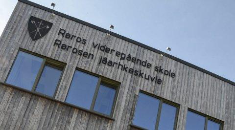Røros vgs: Fylkestinget i Sør-Trøndelag har vedtatt rehabilitering og delvis nybygg av Røros videregående skole.