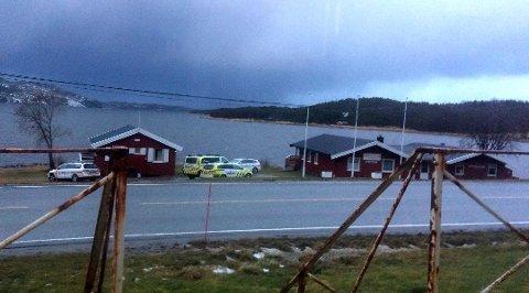 Her blir de seks rumenerne tatt på Sørkil camping onsdag morgen.