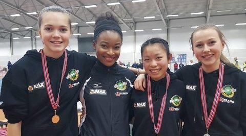 Norna-damer: Lise Celine Borgenhaug, Ezinne Okparaebo, Guro Hjeltnes og Nicoline Coulson på Norna-lekene i januar