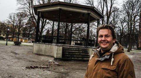 Ja til konserter: Kultursjef Ole-Henrik Holøs Pettersen villegge tilrette, dersom musikkrådet og korpsene tar Musikkpaviljongen i bruk igjen. Foto: John Johansen