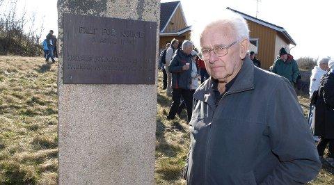 HØRTE SKUDDENE: Arne Paus våknet natt til 9. april av skuddene som kom fra Rauøy Fort. Dermed var det tyske angrepet et faktum. (Begge foto: Rolf B. Gundersen)