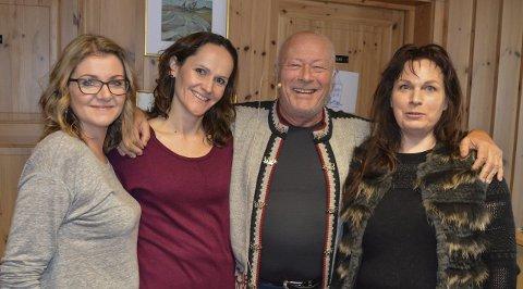 Lager Spel:  Produsent Monica Roer (til venstre) og komponist/manusforfatter LIv Skovdahl (til høyre)  har fått med seg Nils Ole Oftebro og Helene Haarr i rollene som herr og fru Sommerhielm.Foto: Eva Fretheim