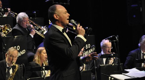 Lions Club Onsøy presenterer onsdag Follo Seniororkesters Storband & Ingar Kristiansen «En hyllest til Frank Sinatra».