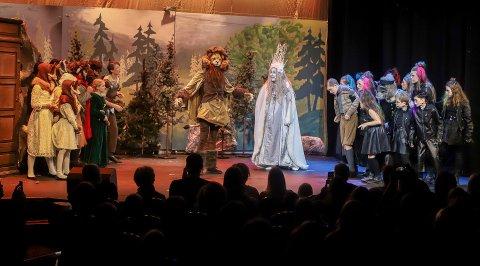 FredrikstadUngane har de siste årene holdt til på City, men 1. desember flytter de til Røde Mølle. – Der er det mer egnet å drive med teater, sier leder Sara Hadjian. Her fra Narnia-oppsetningen som ble satt opp i januar.