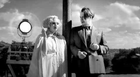 BRA: Mank er en film som for meg ble bedre og bedre etter hvert som tida gikk, en stemning og en verden man ikke vil forlate.