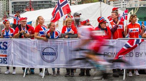 Edvald Boasson Hagens supporterklubb heiet vår mann fram, men det ble dessverre for tungt å følge med i den siste bakken.