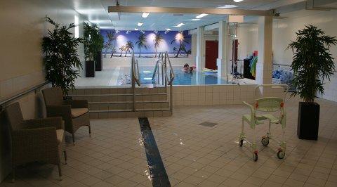 BASSENGET: Det varme bassenget i Halden helsehus stenges i mars.