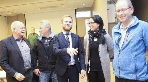 Klima: Jann-Arne Løvdahl (t.v.) Kjell Arne Jakobsen, Willfred Nordlund, Hanne Skau og Sturla Sjåvik er i dialog om bomkutt, men har et stykke å gå før noe praktisk kan skje. Foto: Jon Steinar Linga