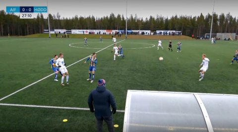 TAPTE: Alta IF tapte hjemme for Hødd i en kamp i regn og blåst på Alta Idrettpark. Skjermdump: IFinnmark.no