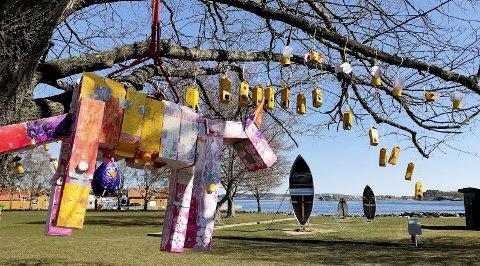 Påskeutstillingen: I Stavern er det også i år en fargerik påske. Foto: Pål Nordby