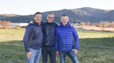 Sammen: Ketil Benjaminsen, Coop Nord,  Thor Drechsler, Bil i Nord AS og Alf Lie LE-eiendom AS går nå sammen om å etablere en handelspark på Leknessletta. Foto: Kai Nikolaisen