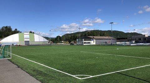 STADION: Fra høsten av blir det idrettsfritidsordning i regi av Lyngdal IL her på Lyngdal Stadion.