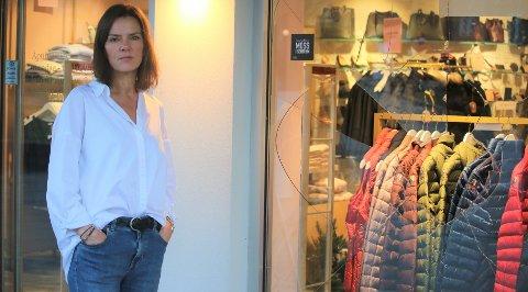 Butikksjef hos Porto Bello, Nina Merethe Felle, fikk en veldig kjedelig start på arbeidsdagen fredag morgen. SVEIP TIL HØYRE FOR Å SE FLERE BILDER.