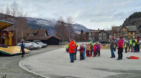 Teaterbesøk: På Halland i Vågå.  Båe foto: Mona Sveen