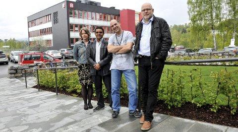 REKORDÅR: Hege Kletthagen, Patrick Bours, Michael Cheffena og Klaus Jøran Tollan kan fortelle at ingen høgskole i landet leverte like mye forskning per ansatt, som HiG gjorde i fjor. FOTO: PER HOVLAND