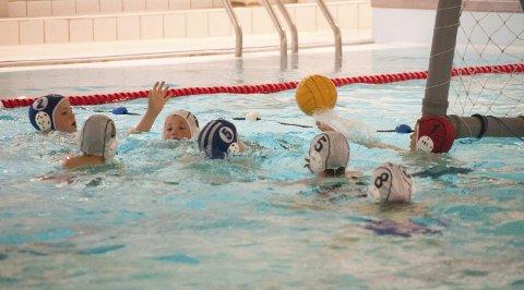 INTENST: Mange barn syntes sporten var både slitsom og morsom.FOTO: Gard Oterholm