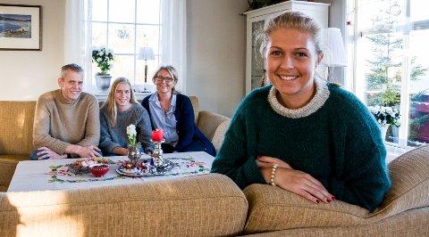 Hjemme: Ida-Marie Fjeldheim fyller 22 år onsdag 28. desember. Det er ingen selvfølge, verken for henne selv, for faren Rune, søsteren Henriette eller moren Merethe.