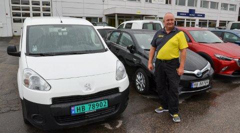 UBERØRT: Jan Bredegg og Elverum Bilutleie AS på Grindalsmoen.