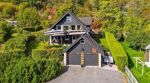 TJENTE ÉN MILLION: Hovenga-bolig ble solgt for én million over prisantydning.