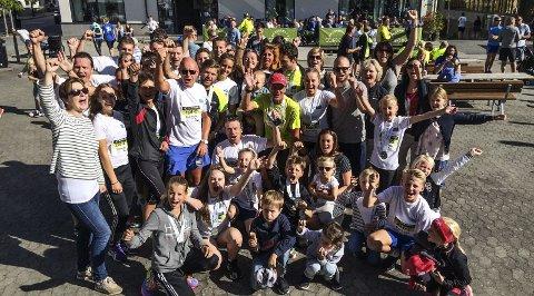 Haugklanen 1, 2 Og 3: I år klarte Tor Haug å stille tre åttemannslag med familiemedlemmer. Yngste løper var 11 år og eldste 68 år.