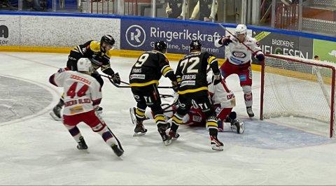 TØFF MATCH: Ringerike Panthers rystet Vålerenga, men tapte knepent.