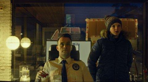 UTILSTREKKELIG ETTERFORSKER: IDéinnehaver Vidar Magnussen spiller selv hovedrollen som den komplett udugelige politietterforskeren Magnus Undredal, som har god hjelp av nabogutten når han trolles i en drapssak.