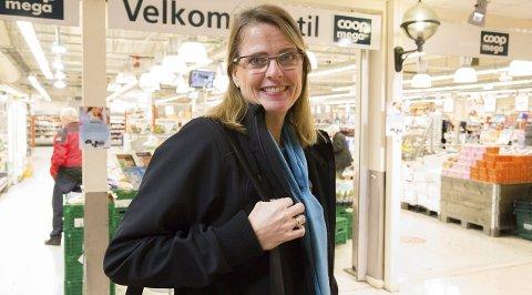 STOLT: Administrerende direktør Wenche Wahlstrøm Løvland i Coop Vestviken er svært fornøyd med å være på omdømmetoppen, og spesielt at de har mange unge fornøyde kunder. Arkivfoto: Bente Elmung