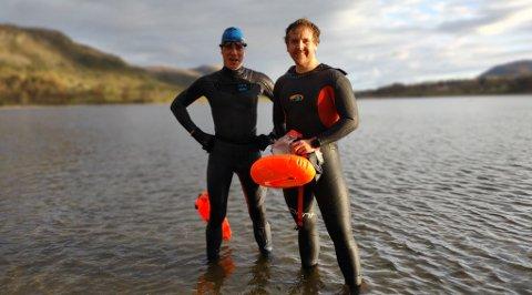 Tilbake opp etter en lang svømmetur. Avbildet venstre: Thorben Beimel, høyre: Sigve Walskaar-Thorkildsen. FOTO: Privat