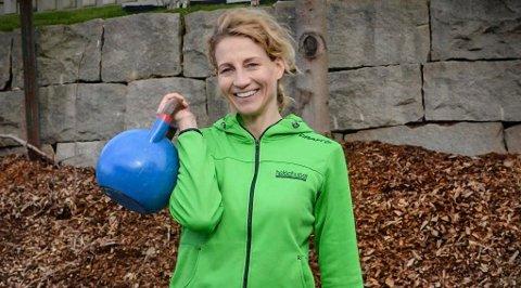 MER STYRKETRENING: Marianne Thomesen Eriksen ved Helsehuset Greaaker håper sarpinger har lyst til å prøve ut styrketrening i uke 43.