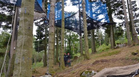 I aktivitetsparken Skogsprett er det laget til helt spesielle utfordringer.