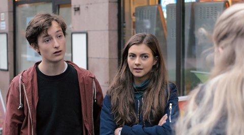 FØRSTE GANG: I rollene finner vi blant annet Sjur Vatne Brean («Ut og stjæle hester», «Rådebank») og Rebekka Andrine Kjølle («Jenter», «Alle sammen sammen»).