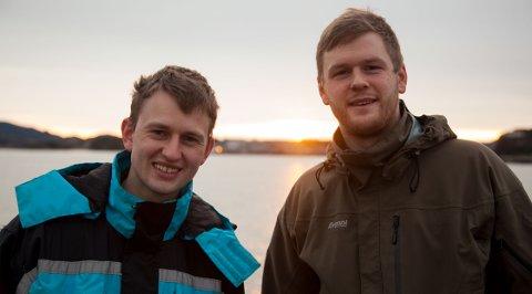 UNGE UTVIKLERE: Martin Slettvoll Munkeby (til høyre) begynte i 2017 å jobbe i selskapet NorseAqua som Lars Berg-Hansen (til venstre) startet. De to kjente hverandre, og Munkeby fikk anledning til å kjøpe aksjer i selskapet.