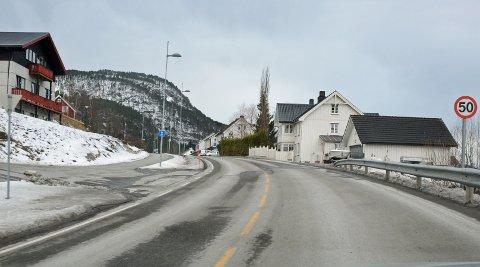 Stykkjesflata: Her kommer det ny asfalt og noen hundre meter til i retning Saghøgda.
