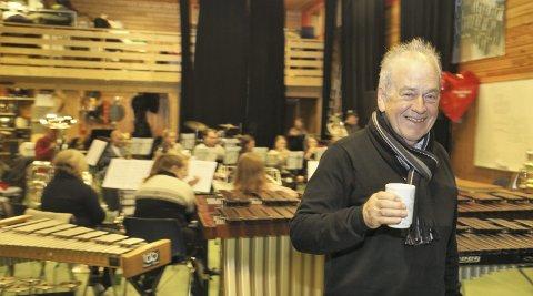 DROG I GANG NM: Ivar Nordland var med og drog i gang det aller første NM for brassband. I år går NM nr. 40 av stabelen, og EBML-nestoren har vore til stades på alle, anten som aktiv musikant eller tilhøyrar. Han er sjølvsagt på plass i helga.