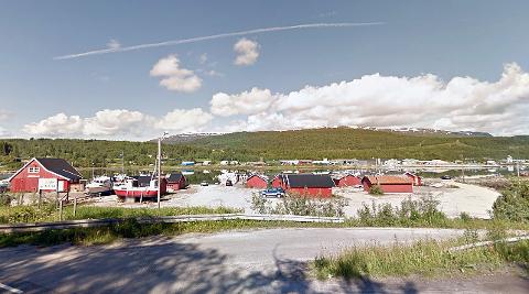 Straumen Båtforening ønsker å bedre innseilingsdybden i havneområdet. Nå søkes det om å få mudre ut rundt 1.000 kubikkmeter over et areal på rundt 1.500 kvadratmeter. Foto: Google Maps