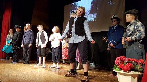 Barneteater på Jorekstad: Her fra generalprøven 5.-7.-klassingene hadde sist helg med forestillingen «Rasmus på loffen».
