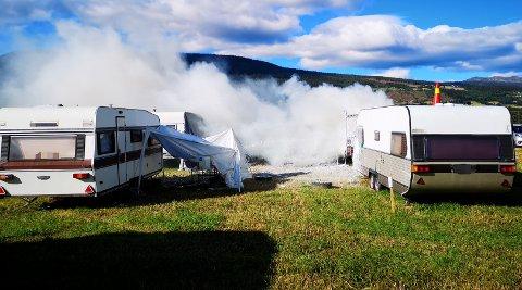 Campingvognen skal ha stått i full fyr.