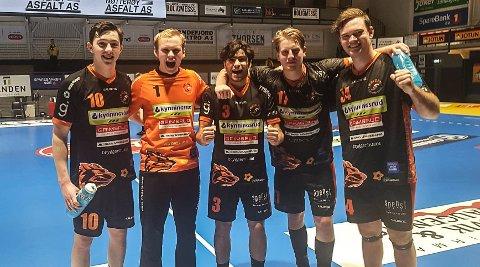 Storfornøyde HTH-spillere. Kasper Thorsen Lien (fv), Jonas Stenersen, Mounir Chehri, August Olsen Storbugt, Mads Jensen
